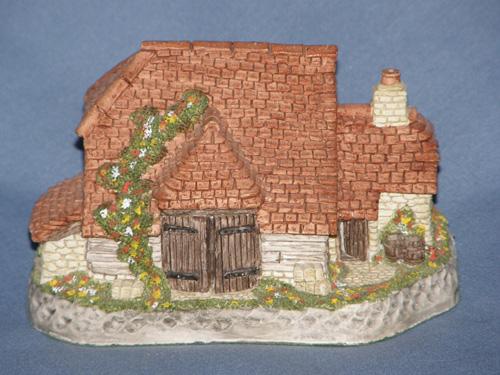 Harvest Barn David Winter Cottage