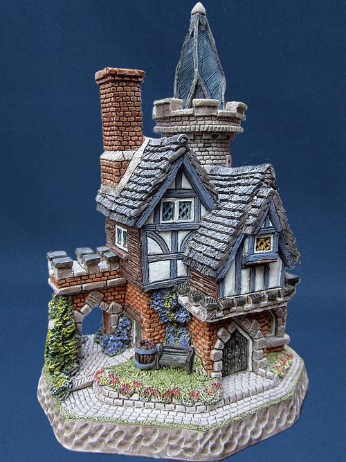 Hotspurs Keep David Winter Cottage