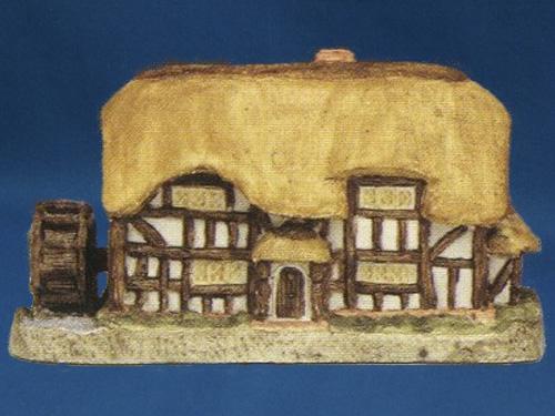 Little Mill (Re-modelled) David Winter Cottage