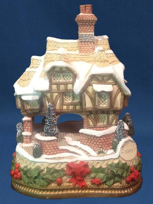 Miss Belle's Cottage Premier David Winter Cottage