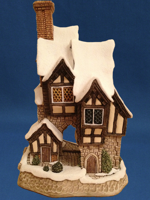Oliver Twist Christmas Collection David Winter Cottages