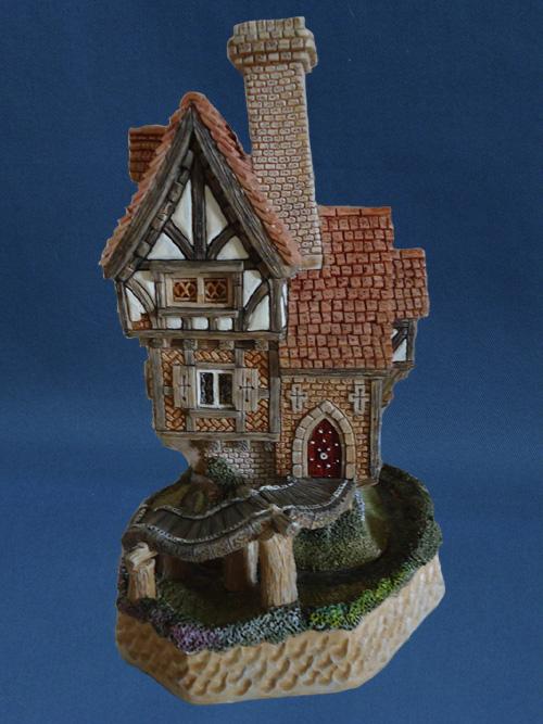 Robber's Retreat David Winter Cottage