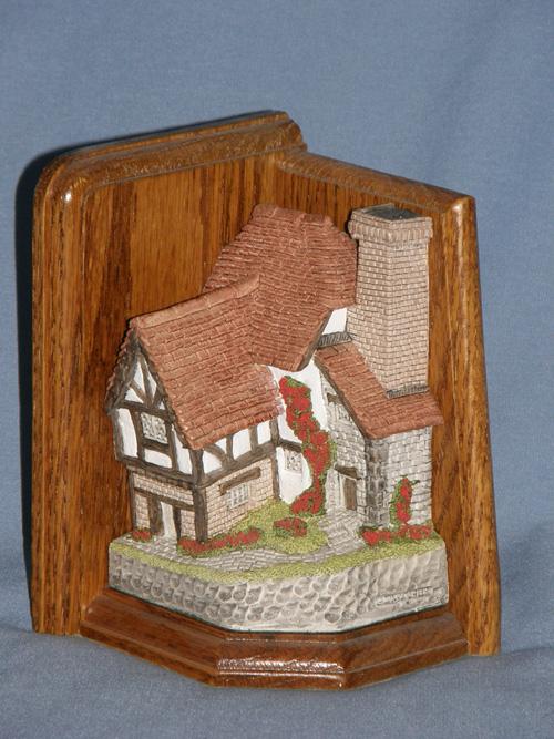 The Bookbinder David Winter Cottage