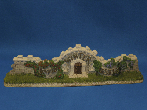 The castle wall cottage for Castle and cottage home collection