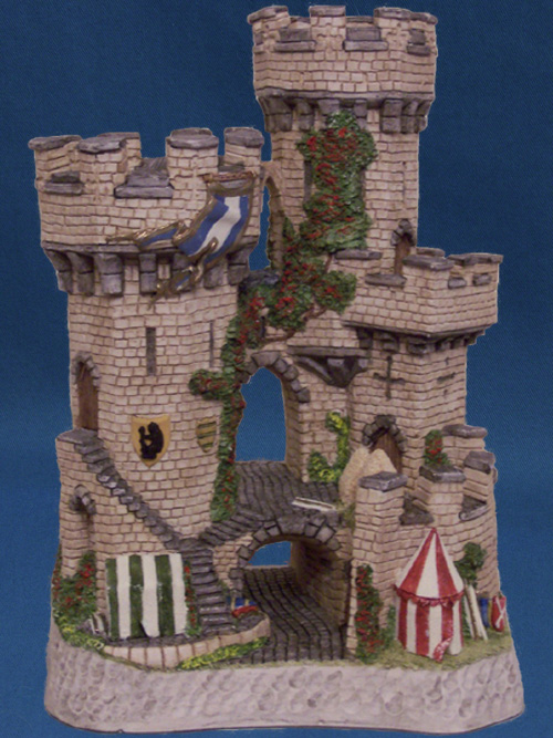 The Kingmaker's Castle (US Version) David Winter Cottage