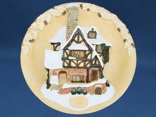 Tiny Tim Christmas Plaque David Winter Cottage