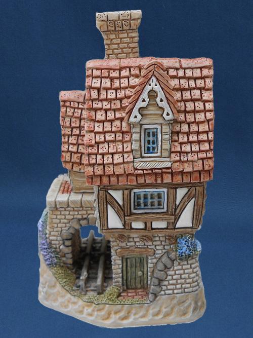 Trainspotter's David Winter Cottage