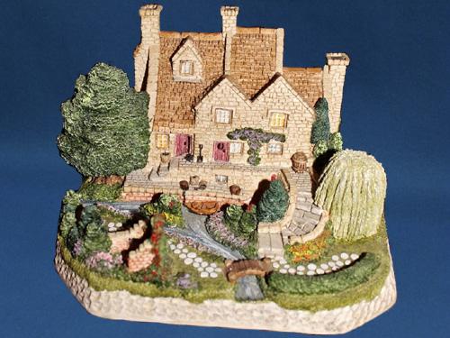 Willow Gardens David Winter Cottage